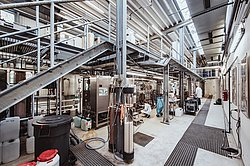 View into the pilot plant for the biotechnological production of biobased chemicals (Photo: Manuel Gutjahr)