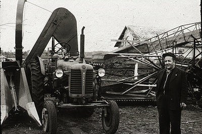 Cob picker for harvesting corn, 1958 (ATB)